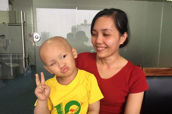 Ung thư,ung thư mắt,dấu hiệu nhận biết ung thư mắt,hoàn cảnh khó khăn,bệnh hiểm nghèo