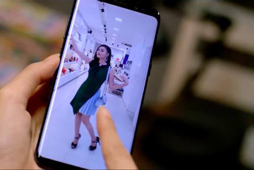"""Xuống phố chuẩn """"Cô Ba Sài Gòn"""" với Galaxy S8"""