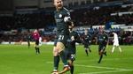 """Nhấn chìm """"Thiên nga đen"""", Man City vô địch lượt đi"""