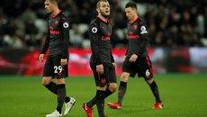 Phung phí cơ hội, Arsenal bị West Ham cầm chân