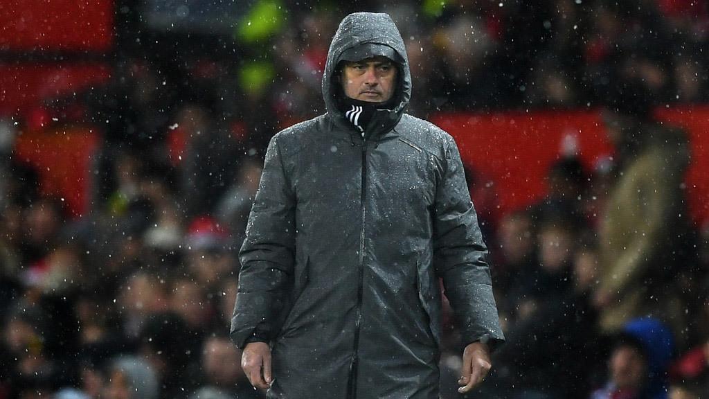 MU thắng 'rùa': Mourinho đang rất giống Van Gaal