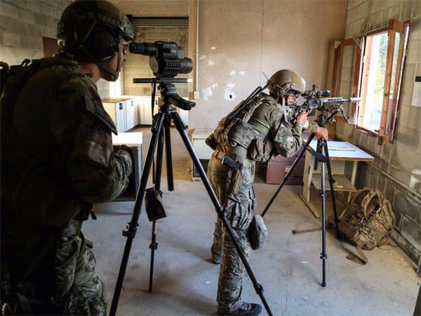 Nín thở xem lính Mỹ tập luyện thành xạ thủ