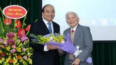 Thủ tướng chúc mừng sinh nhật tuổi 90 GS Hoàng Tuỵ