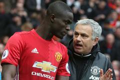 MU và bài toán trung vệ: Khổ thân ông Mourinho