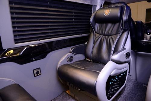 DCar X - xe limousine phiên bản giới hạn 99 chiếc