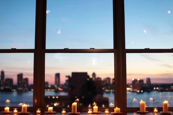 Làm đẹp khung cửa sổ lãng mạn và ấm cúng trong mùa Đông