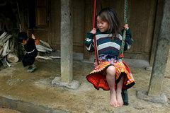 Xóa đói giảm nghèo bền vững bằng nâng cao dân trí