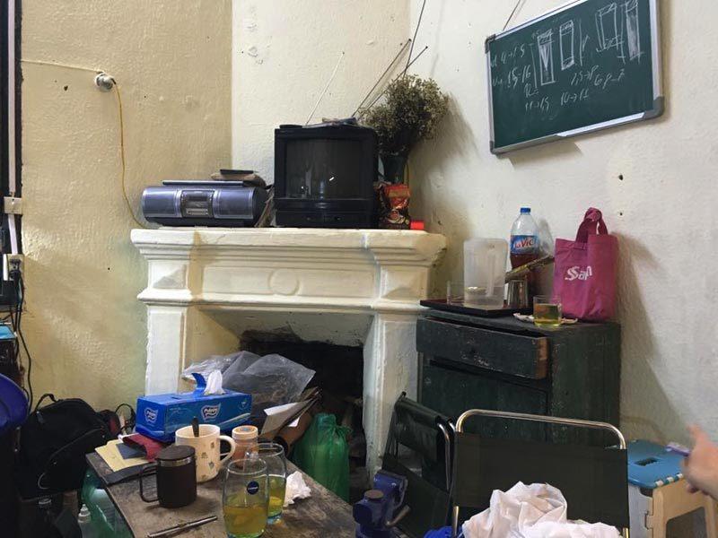 Nhóm thanh niên khiến người phụ nữ trong 'biệt thự nghiêng' run sợ