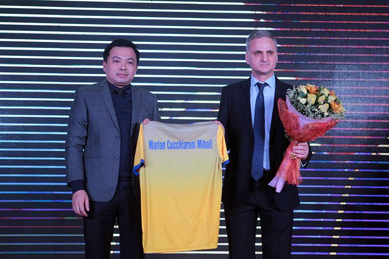Cựu tuyển thủ Romania chính thức dẫn dắt FLC Thanh Hoá