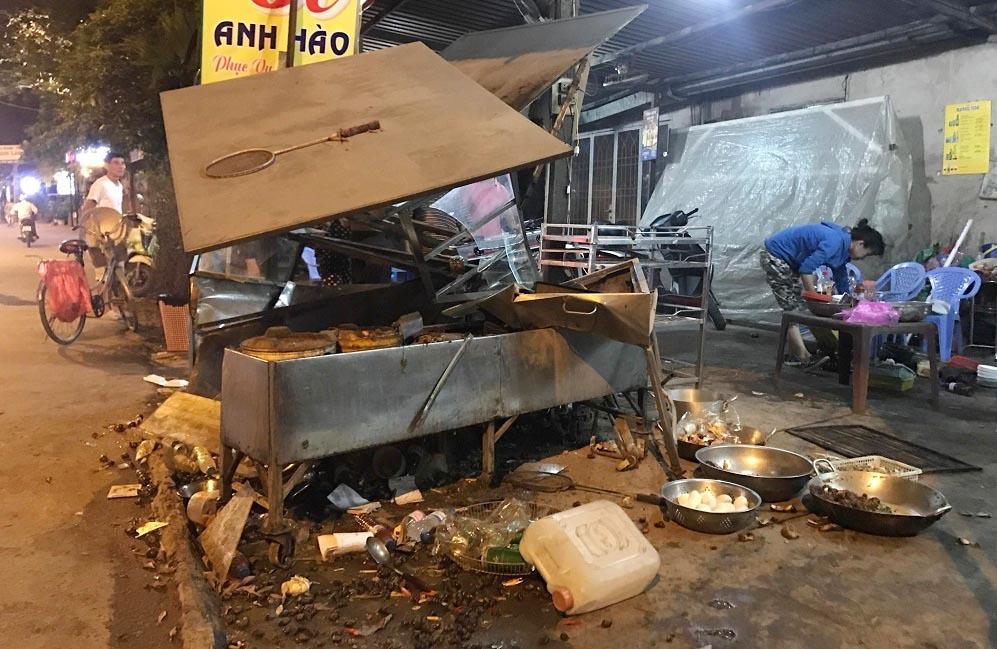 Đâm sập quán ốc ở Sài Gòn, tài xế còn lớn tiếng mình 'làm lớn'