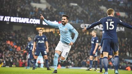 Đè bẹp Tottenham, Man City lập kỷ lục 16 trận thắng