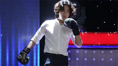"""Trường Giang, Thu Trang mê đắm đuối """"Soái ca boxing"""" ở Giọng Ải Giọng Ai"""