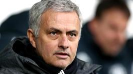 """Mourinho """"đá xoáy"""" thói vênh váo của cầu thủ Man City"""