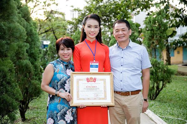 Phùng Bảo Ngọc Vân giành thêm giải thưởng khoa học
