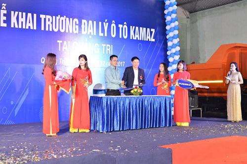 Khai trương showroom ô tô Kamaz Quảng Trị