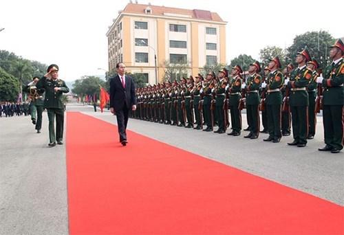 Chủ tịch nước thăm và làm việc với lực lượng vũ trang Quân khu 1