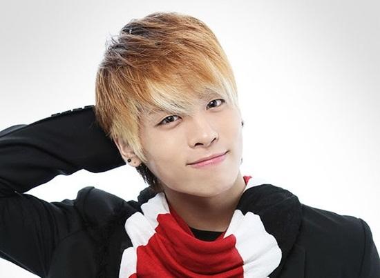 Thông tin mới nhất về Jonghyun thành viên nhóm SHINee vừa tự tử
