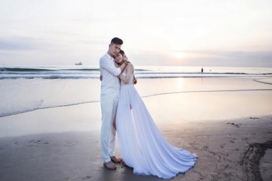 Những con số giật mình trong đám cưới ca sỹ chuyển giới Lâm Khánh Chi