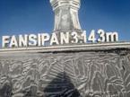 Băng tuyết phủ trắng xóa đỉnh Fansipan