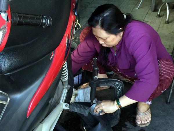 Thợ sửa xe,Sài Gòn