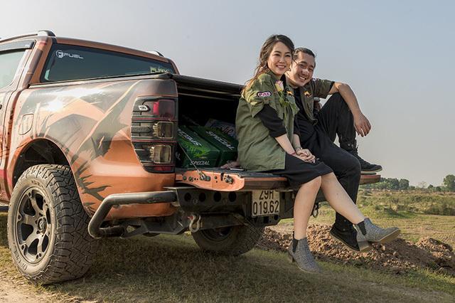 Độc đáo đám rước dâu bằng ô tô thể thao địa hình ở Hà Nội