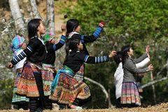 Trẻ em vùng núi: Học tiếng Việt càng nhiều càng sớm thoát nghèo