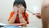 Giáo viên mầm non túm tóc và tát bé gái ngay giữa lớp học