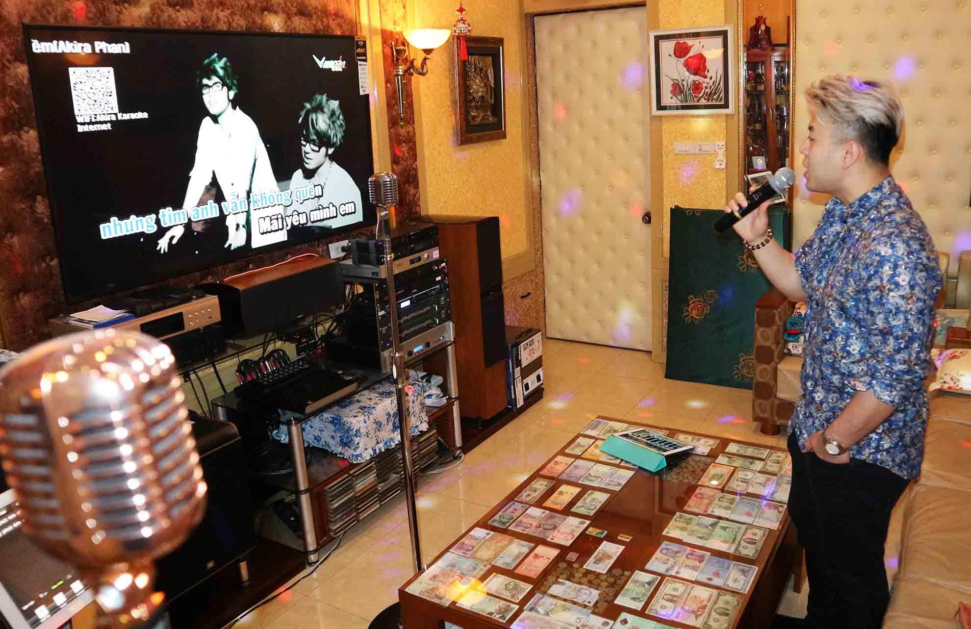 Phòng karaoke sang chảnh của Akira Phan tại nhà riêng 15 tỷ đồng