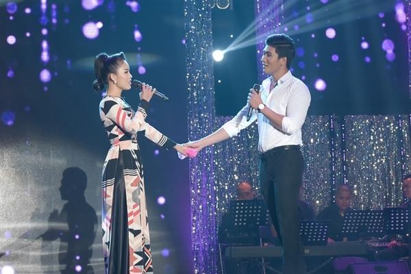 Đàm Vĩnh Hưng sởn gai ốc vì giọng hát tình cũ của Hoài Linh