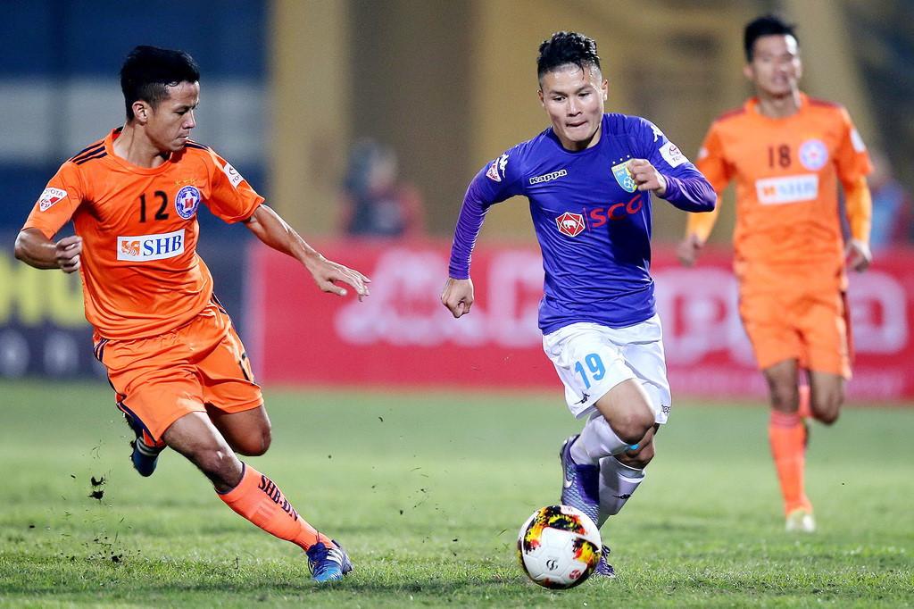 """Thai-League sẵn sàng nổ """"bom tấn"""": Chê Công Phượng ắt là Quang Hải!"""
