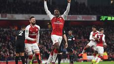 Welbeck tỏa sáng, Arsenal đánh bại West Ham