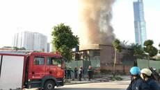 Hà Nội: Cháy lớn ở khu nhà tôn, 1 người chết