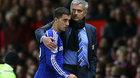 "MU sai lầm giữ Fellaini, Mourinho gọi Hazard ""giải cứu"""