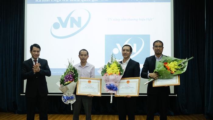 Internet,Tên miền Internet,Internet Việt Nam,IPv6,Trung tâm Internet Việt Nam