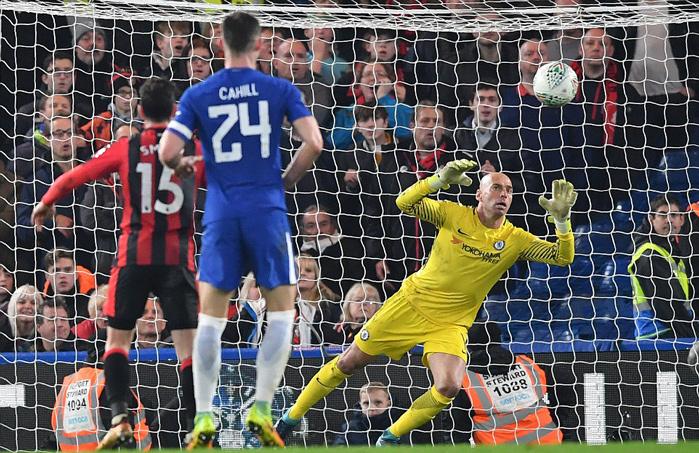 Morata 'nổ súng' phút bù giờ, Chelsea thoát hiểm gang tấc