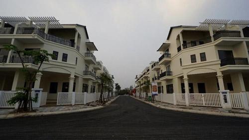 Hình ảnh thực tế dãy biệt thự Senturia Vườn Lài quận 12