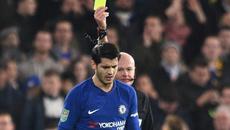 Conte quở trách Morata vì dính thẻ lãng nhách