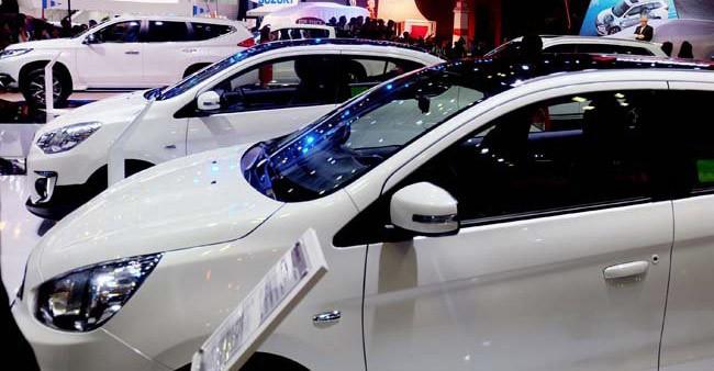 Ô tô đổ về nhiều, xe dưới 700 triệu đồng loạt giảm giá