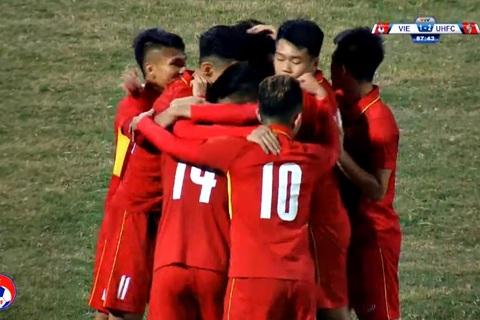 U23 Việt Nam 2-3 Ulsan Huyndai: Tuyệt phẩm lốp bóng của Đức Chinh