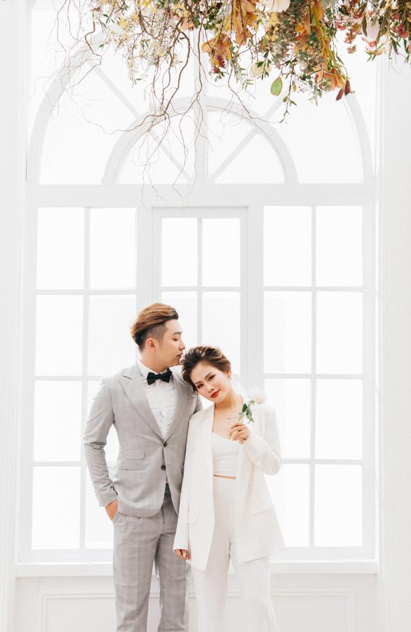 Yanbi và Yến Lê làm 'đám cưới' trong MV mới