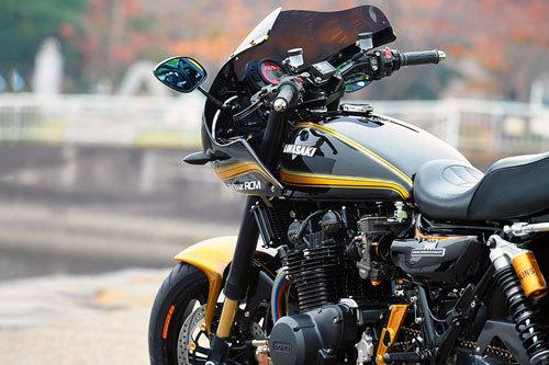 Kawasaki Z1 lột xác với bản độ Cafe Racer
