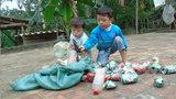 2 đứa trẻ bị bố mẹ bỏ rơi, dắt nhau nhặt phế liệu mưu sinh trong giá lạnh