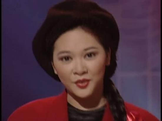 Nghe Hà Vân hát Người tình mùa đông dịp Giáng Sinh