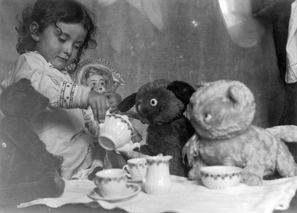 Quà Giáng sinh 100 năm trước của trẻ em thế giới