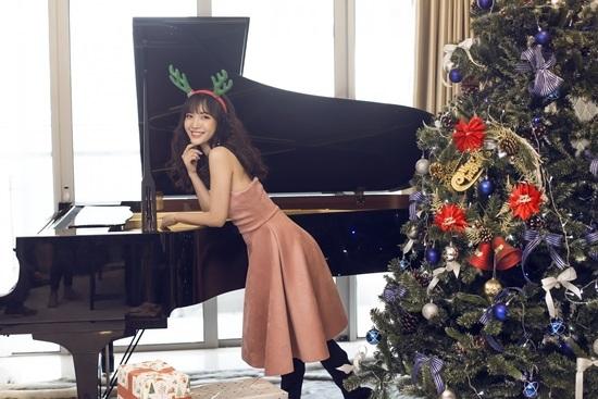 'Hotgirl Bolero' Jang Mi đẹp mê mẩn trong bộ ảnh Giáng sinh