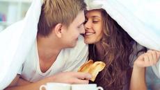Một số thực phẩm nên tránh trước khi 'yêu'