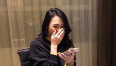 Mỹ Tâm 'cười nắc nẻ' khi xem clip hát chế xin album có chữ ký chuẩn xịn của Trường Giang
