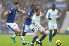 """Bị Everton cưa điểm, Chelsea """"ngửi khói"""" Man City"""