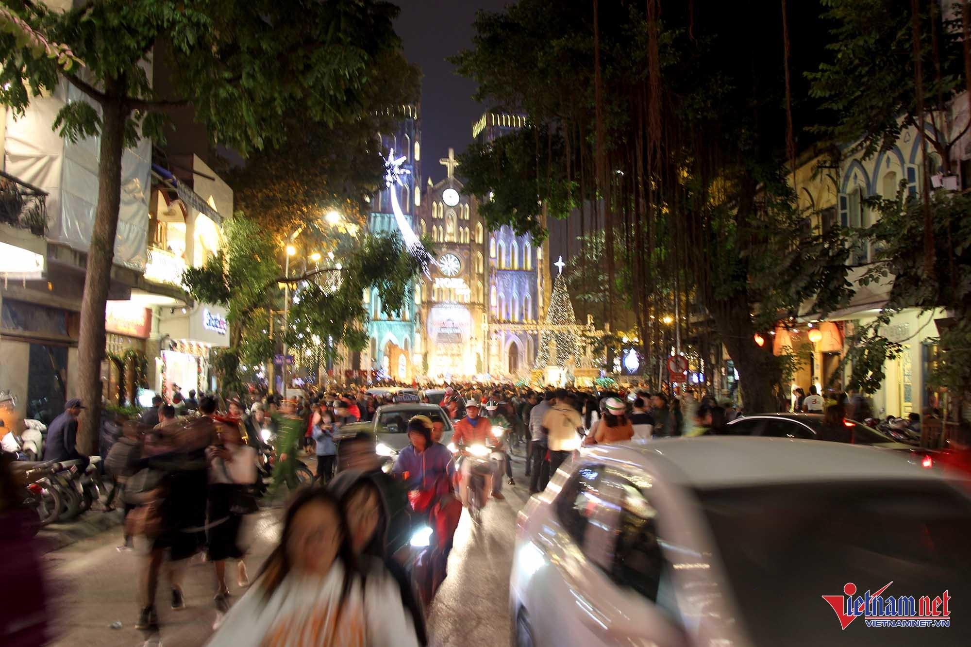 Giáng sinh 2017,noel,Hà Nội,phố đi bộ