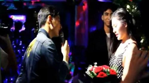 Chúng Huyền Thanh bất ngờ được bạn trai cầu hôn: